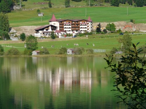 viešbutis,atostogų kurortas,poilsio namai,atostogos,šventė,Allgäu namuose,haldensee,Allgäu Alpės,Alpių,kalnai,tannheim,Haller,ežeras,vandenys,kraštovaizdis,idilija,Allgäu namas,ežero viešbutis