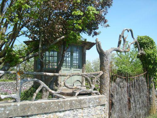 namas,gamta,medis,laukinis namas,žalias,originalus namas,sodas,laukiniai,apleistas namas,france,tahmasebi gironde