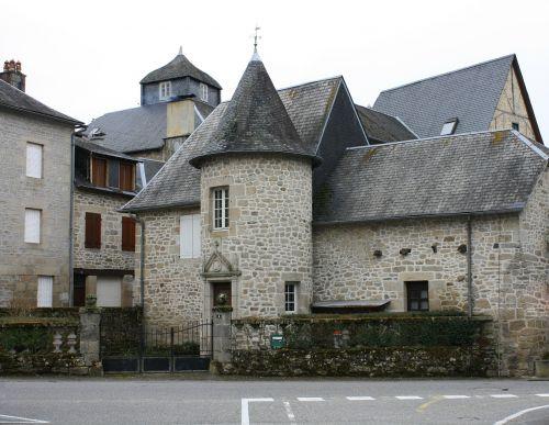 namo bokštelis,senoviniai akmeniniai namai,Prancūzijos kaimo namai,namo bokštas,namai france,viduramžių miesto namai