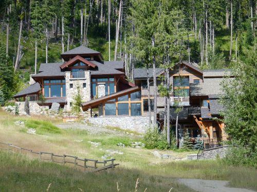 būstas,rąstiniai namai,gražus,saulėtekio kurortas,Britų Kolumbija,Kanada,slidinėjimo kurortas,kraštovaizdis,peizažas,kaimas,aktyvus,gamta,sezonas,turizmas