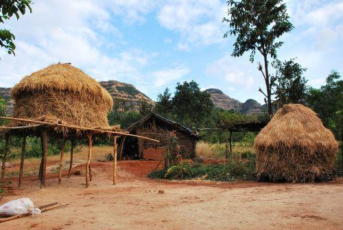 namelis,gyvenimo būdas,tribal,kaimas,kraštovaizdis,namas,vargšas,gyvenimas,šiaudai,jaunas,žmonės,gyvenimas