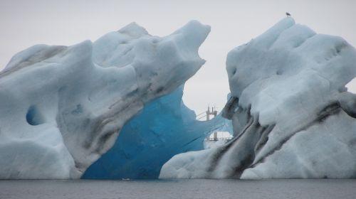 Ledas, Iceland, Ledkalnis