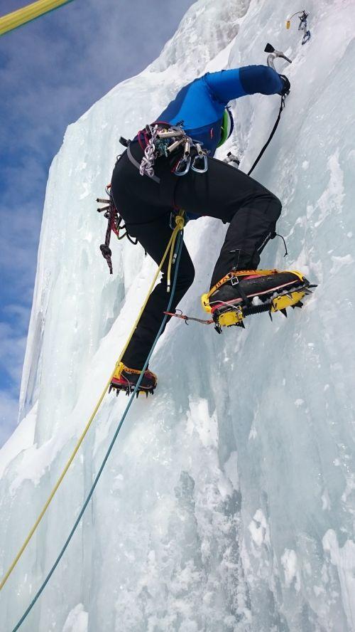 ledkalniai,lipti,ledas,ledo laipiojimas,ledkalnis,sušaldyta,Ekstremalus sportas,ledo siena,švino laipiojimas,ledo varžtas