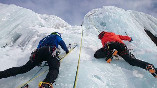 ledkalniai,lipti,ledas,ledo laipiojimas,ledkalnis,sušaldyta,Ekstremalus sportas,ledo siena,ledo varžtas