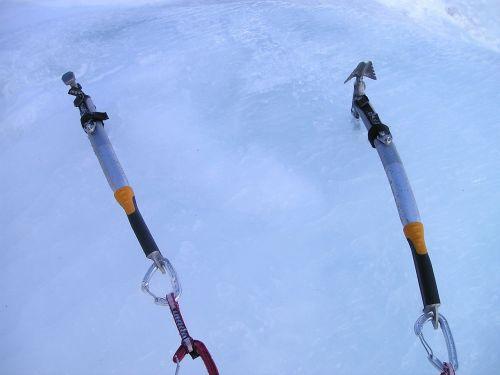 ledo įrankiai,ledo kirvis,ledo laipiojimas,alpinizmas,bergsport,Alpių,lipti,kalnai,ledas,šaltas,krioklys,sušaldyta,ledkalnis