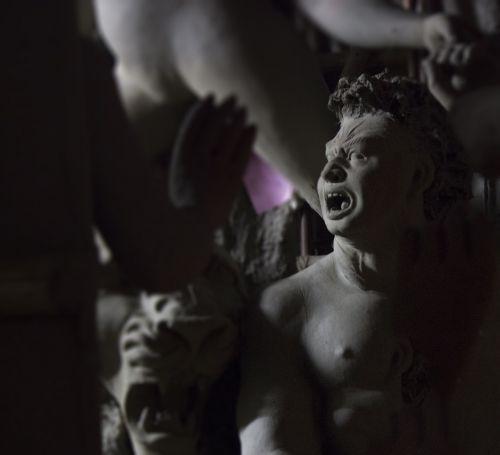 idolių gamyba,Mahishashur,kumartuli,durga puja,Ashur,statulos,skulptūra,molio modeliavimas,modelis,molis,apdaila,kultūra,figūra,rankų darbo,statulėlė,išraiška