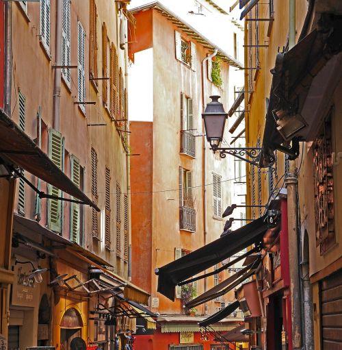įspūdžiai,Senamiestis,alėja,gražus,parduotuvės,tentai,žibintas,skydų parduotuvės,eng,vaizdingas,architektūra,istoriškai,senas pastatas,namai,užraktas,seni namai,miestas,fasadai,spalvinga,Côte dAzur,į pietus nuo Prancūzijos,mediteran