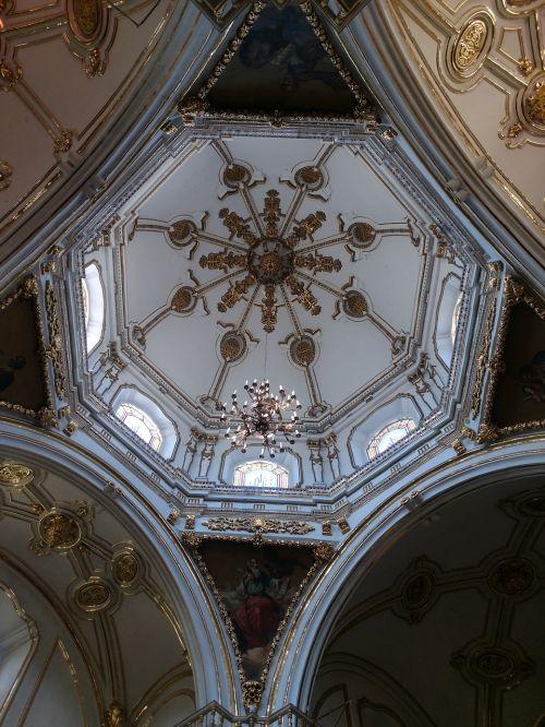 interjero bažnyčios kupolas,interjero kupolas,kalotė,bažnyčios kupolas,kupolas