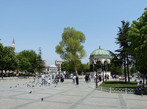 istanbulas,Turkija,istoriškai,erdvė,Hippodromplatz,parkas,paviljonas,vokiškas fontanas,fontanas