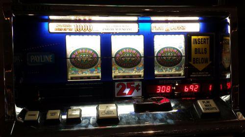 jackpota,laimingas,lošimo automatai,sėkmė,laimėti,lošti,tikimybė,azartiniai lošimai,nugalėtojas,bet,kazino,lažybos,pinigai,šansai,vegas,premija,žaidimas,žaisti,mašina,žaidimų
