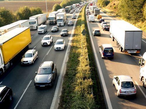 džemas,greitkelis,svetainė,užtvankos,perkrovos,kelio atnaujinimas,sustoti ir eiti,eismas,transporto priemonės,kelias,sunkvežimis,nuotolinis eismas,pkw,lėtai judantis,erzina,nusikaltimas,asfaltas,greitkelio statybvietė,sankryža,a6,heilbronn,statybos darbai,lėtai,greitkelio perkrovos,greičio ribojimas,federalinė gatvė