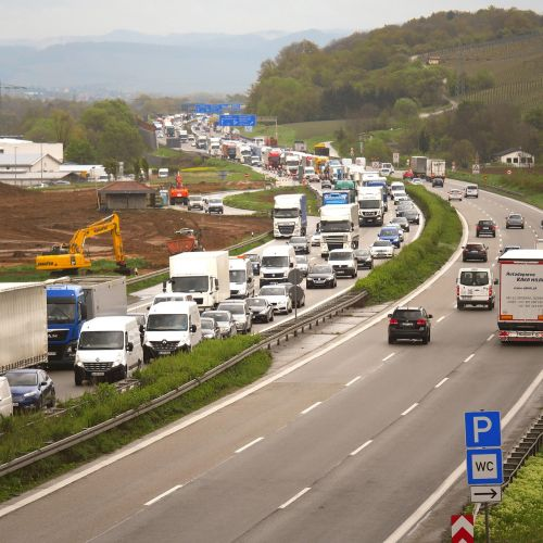 džemas,greitkelis,svetainė,užtvankos,sustabdyti,perkrovos,kelio atnaujinimas,tilto pastatas,sustoti ir eiti,eismas,transporto priemonės,kelias,sunkvežimis,nuotolinis eismas,pkw,lėtai judantis,erzina,stovėti,nusikaltimas,asfaltas,auto gyvatė,greitkelio statybvietė,sankryža,a6,heilbronn,baden württemberg,statybos darbai,lėtai,greitkelio perkrovos,greičio ribojimas,federalinė gatvė,ekskavatoriai,Nemokamas pasivažinėjimas