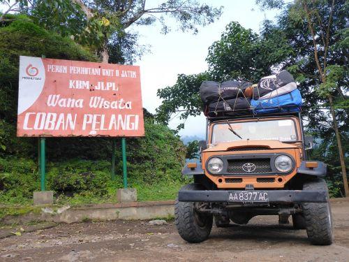 Jeep,nuotykis,4wd,automobilis,Indonezija,keliautojai,asija,kelionė