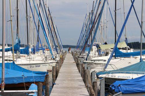 prieplauka,burlaiviai,buriuotojas,laivo stiebas,stiebas,valtys,internetas,uostas,žvejybos laivas,stiebai