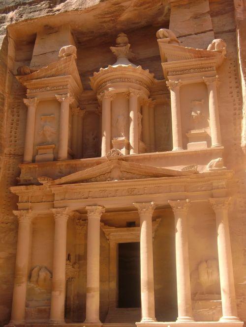 Jordan, Petra, Roko Miestas