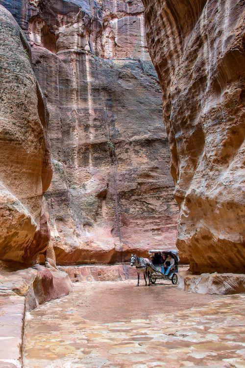 Jordan, Petra, Arklys, Kelias, Akmenys