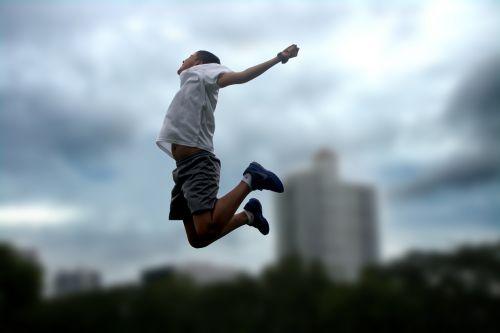 šokinėti,žaisti,linksma,laimingas,džiaugsmas,vaikas,žaidimas,laimingi vaikai,žaisti,Sportas,vaikystę,šventė,šokinėja
