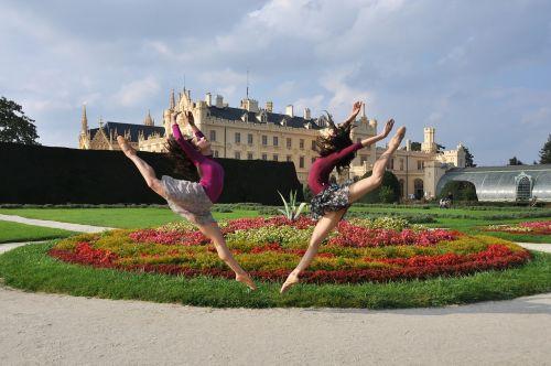 šokinėti,balerina,lednice