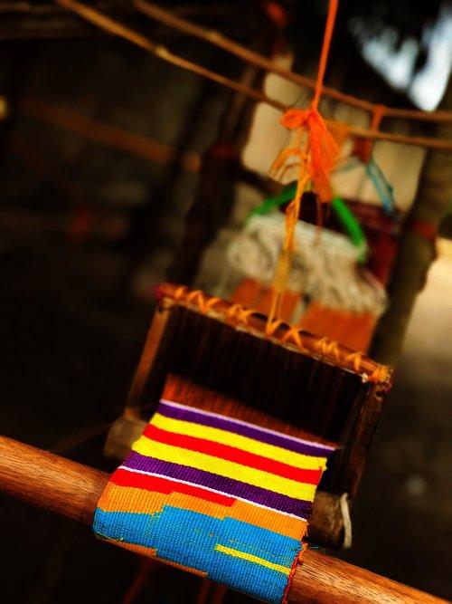KENTE, staklės, tradicija, VOLTA, Gana, audimo, tekstilės, austi, pynimo, amatų, amatų, tekstūros, Iš arti, sriegis, modelis, spalva, tradicinis, vietos, Afrikoje, Afrikos
