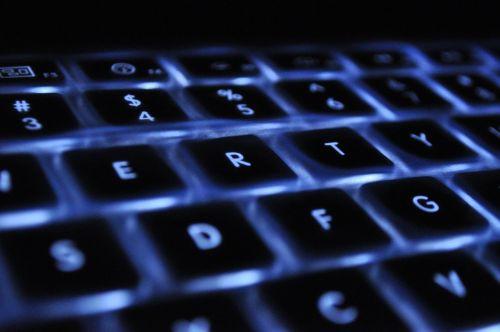 klaviatūra,nešiojamas kompiuteris,atgal šviesa,obuolys,raktai,verslas,kompiuteris,atgal,šviesa