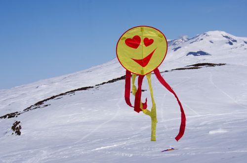 aitvaras,skrydis,aukštis,kraštovaizdis,kalnai,tundra,kalnų plynaukštė,žiema,sniegas,atvira erdvė,gamta,kelionė,sniego dramos,vulkanas