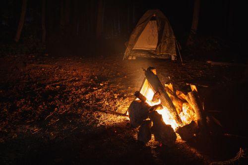 koster,kempingas,naktis,palapinė,kelionė,Ugnis,šiluma,nudegimai,sustabdyti,laužavietė,deginti,liepsna,miškas,vasara