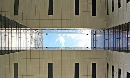 kranhaus,architektūra,Kelnas,šiuolaikiška,pastatas,stiklo langas,moderni architektūra,namai,Reino upė,rinas,Rheinauhafen,panorama,Vokietija,dangoraižis,gyvenamoji vieta,biurų pastatas,gyvenamieji pastatai,plieno santvarų konstrukcija,įspūdingas,įspūdingas pastato formos,reginas,muitinės uostas,tektoninė koncepcija,stiklas,turizmas,aukštas,lankytinos vietos,įvedimas,dangaus vaizdas iš apačios,drunter perspektyva