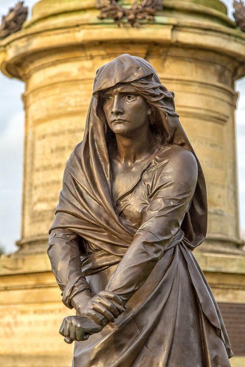 Lady Macbeth,stratford upon avon,Šekspyras,architektūra,bard,orientyras,macbeth,dramaturgas,statula,turizmas,Warwickshire,paminklas