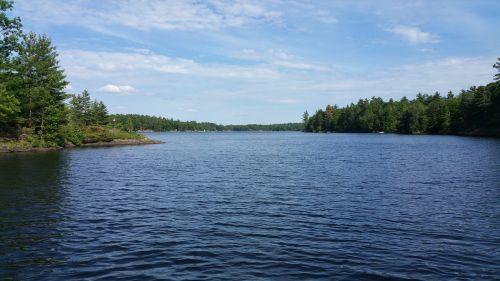 ežeras,gamta,vanduo,dangus,lauke,peizažas,Kanada,gamtos kraštovaizdis,kraštovaizdis,grazus krastovaizdis,ramus