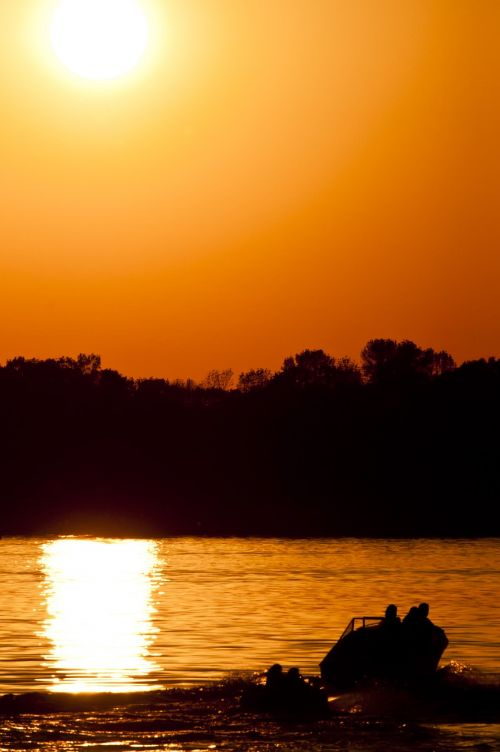 ežeras,Buckhorn ežeras,saulės užtemimas,užtemimas,2012 m. gegužės 20 d .,2012 eclipse,vanduo,saulėlydis,saulė,dangus,oranžinė,valtis,siluetas,ežeras kreivė ežeras,vandens