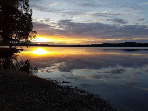 Ežeras, Saulėlydis, Ro, Vandens Kraštas, Tyla, Vasara, Vakaro Saulė, Švedija, Veidrodinis Vaizdas