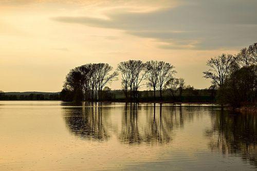 ežeras,griauna,lietus,nuotaika,mistinis,rainstorm,tvenkinys