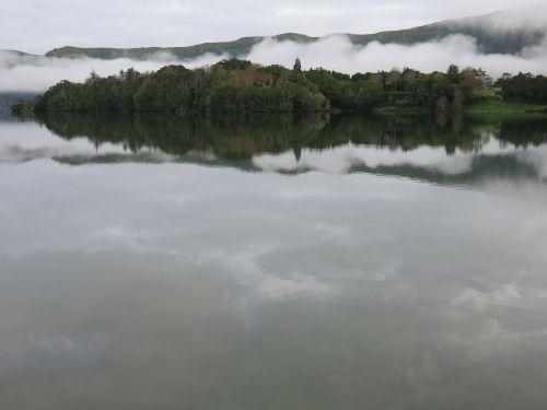 ežeras,krateris,atspindys,debesys,pilka,vulkaninis ežeras,vulkaninis krateris,sete cidades