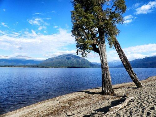 Lake Brunner, Naujoji Zelandija, ežeras, kraštovaizdis, pobūdį, vandens, kalnai, dangus, debesys, Pietų sala, Naujoji Zelandija Alpės, vandenys, žvejoti, bankas, smėlis, papludimys