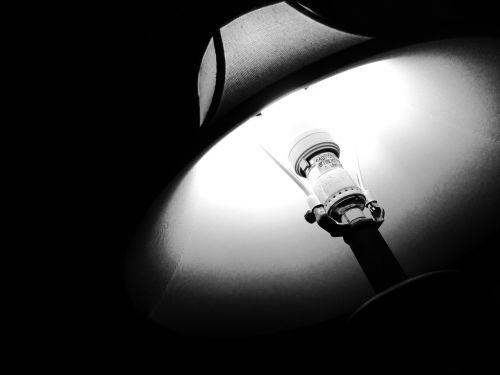 lempa,lemputė,šviesa,apšviesti
