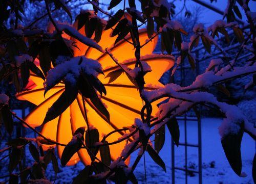 lemputė,atsparus oro sąlygoms,tvirtas,sniegas,apšvietimas,sodas,sodo apšvietimas,lauko apšvietimas,šviesa,judėjimas,de kofe apšvietimas,geltona,žiemos apšvietimas,Kalėdų žiburiai