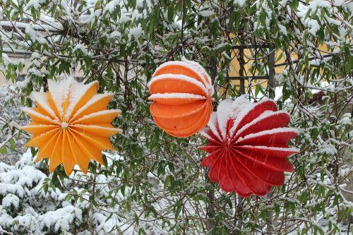 lemputė,atsparus oro sąlygoms,tvirtas,sniegas,apšvietimas,sodas,sodo apšvietimas,lauko apšvietimas,šviesa,judėjimas,de kofe apšvietimas,geltona,žiemos apšvietimas,Kalėdų žiburiai,raudona,oranžinė,medis,krūmas
