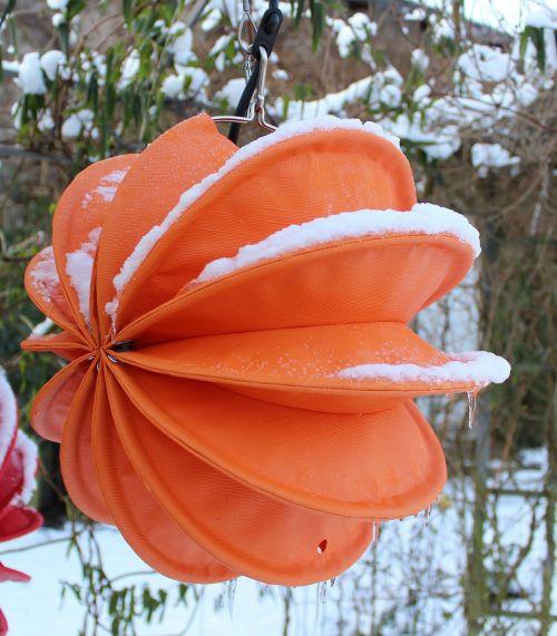 lemputė,atsparus oro sąlygoms,tvirtas,sniegas,apšvietimas,sodas,sodo apšvietimas,lauko apšvietimas,šviesa,judėjimas,de kofe apšvietimas,geltona,žiemos apšvietimas,Kalėdų žiburiai,šaltis,žiema,sniego danga,varveklių,miltelių sniegas,šaltas