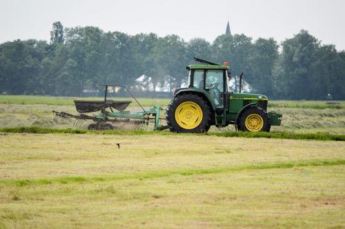Žemdirbystė, traktorius, ūkininkas, žolė, pjovimas, Žemdirbystė