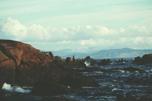 kraštovaizdis,horizontalus,jūra,vandenynas,natūralus,gamta,Debesuota,debesys,mėlynas,žemė,gamtos kraštovaizdis,vanduo,lauke,peizažas,vaizdingas,žvejyba,žvejys,žvejys,kalnas,Rokas,kelionė,aplinka,dangus,grazus krastovaizdis