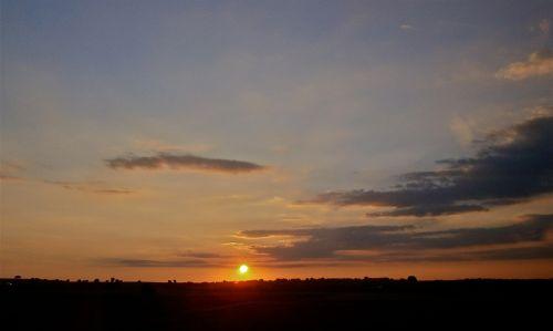 kraštovaizdis,saulėlydis,rausvai,debesys,dangus