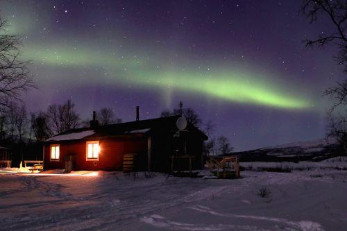 kraštovaizdis, šviesa, dangus, oras, reiškinys, atmosferos optiniai reiškiniai, abendstimmung, natūralus spektaklis, Šiaurės pašvaistė, aurora, atmosfera, dramatiškas, vakaras, Švedija, gražus, gamta, dramatiškas dangus, be honoraro mokesčio