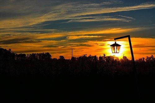 kraštovaizdis, saulė, apšvietimas, saulėlydžio, Besileidžianti saulė, vakarą saulė, debesys, dangus, laukas