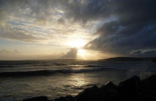 kraštovaizdis,vandenynas,bangos,saulėlydis,jūra,gamta,gamtos kraštovaizdis,vanduo,papludimys,gražus,peizažai,horizontas,kranto,vandens banga,banga,vaizdingas,oras,pakrantė,vandenynų banga,peizažas,vaizdas