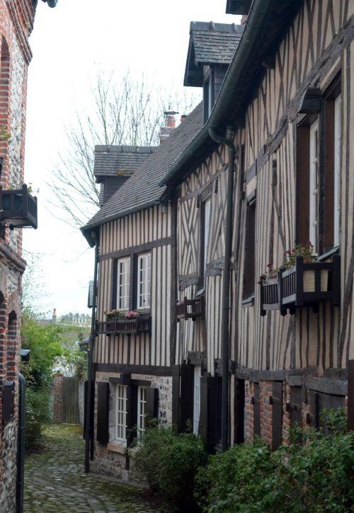 juostos,dangas,kaimas,senas,senas kaimas,prancūzų kaimas,seni namai,istorija,turizmo miestas,france,honfleur,Normandija