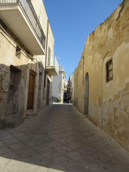 juostos,sicilija,kaimas,maža gatvė,siauras gatvė,istorinė gatvė,Senamiestis,istorinis miestas