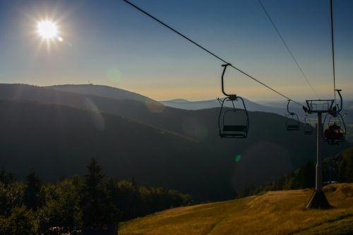 kalnai, kraštovaizdis, saulė, dangus, medžiai, gyvenimas, gamta, kalvos, miškai, keltuvas, namelis, kajutė, keltuvas liftas & nbsp, atsikratyti, keltuvas važiuojant keliu