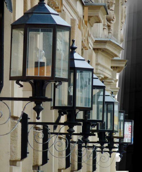 žibintas,šviesa,lempa,apšvietimas,lauko apšvietimas,gatvės lempa,gatvės apšvietimas,naktis,twilight,tamsa,pragaras,kilnus