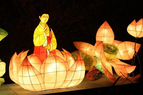 žibintų festivalis,Cheonggyecheon srautas,kkotdeung festivalis,izometrinis straipsnis,Chung yra