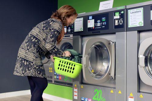 skalbiniai,Skalbimo mašina,plauti,savitarna,prekyba,verslas,franšizė,parduotuvė,įsipareigoja,monetos,prekyba